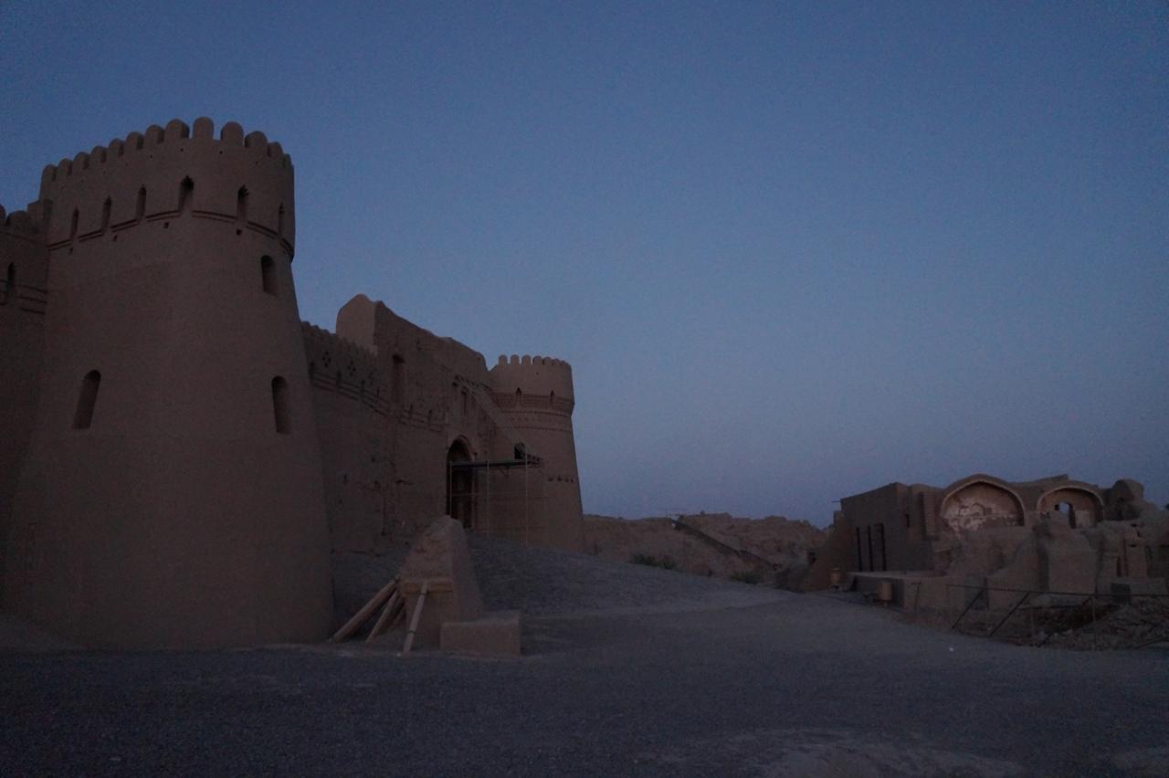 Бам - самое большое глиняное сооружение в мире город, крепость, цитадель, крепости, города, нижний, только, цитадели, полностью, тысяч, Стены, Состояние, прежние, дорога, очертания, Главная, открыта, перед, улицы, можно