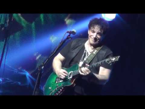 Neal Schon Guitar Solo 2 - Hartford, CT - Tour Opener