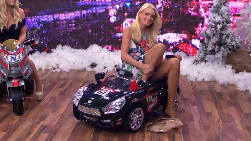 Anne Kathrin Koschs shows everything pantyhose feet, high heels and upskirt HD zoom
