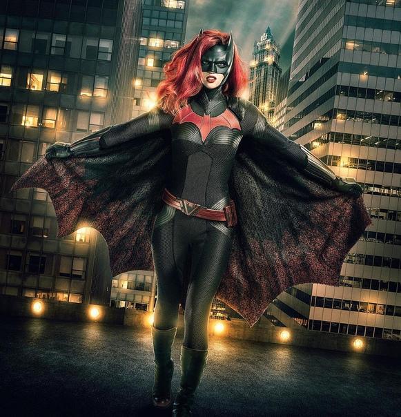 Бэтвумен в действии! Первый тизер с Руби Роуз в образе Кейт Кейн