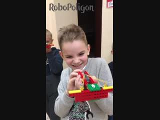 Манекен челлендж с арбалетом из Lego!