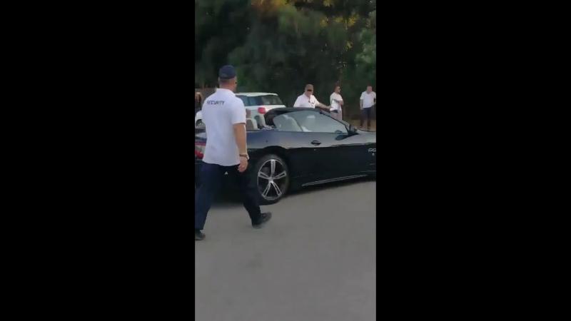 Harry riding his rich af 2018 maserati granturismo sport in black.