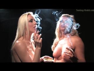 Lisa Marie Bourke And Michelle Monroe Smoking _ (Smoking Fetish Solo  Курящие девушка в костюме мастурбирует )_