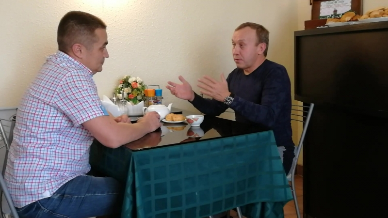 Интервью - М. Шайбаков в халяль-кафе Салям 26.09.18г