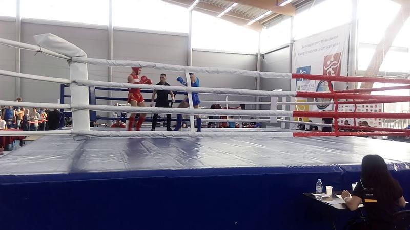 Нокаут локтем чемпионат СПб по Тайскому боксу