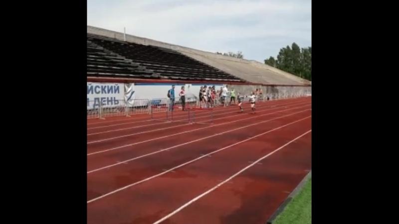 Первые соревнования бег 60м с/б на стадионе НЦВСМ,в Кировском районе.