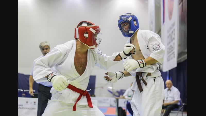 Курским каратистам преподал урок трехкратный чемпион мира