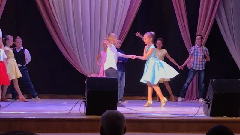 ВК Голоса и Радуга Танца Мы маленькие дети День Матери 23 11 18
