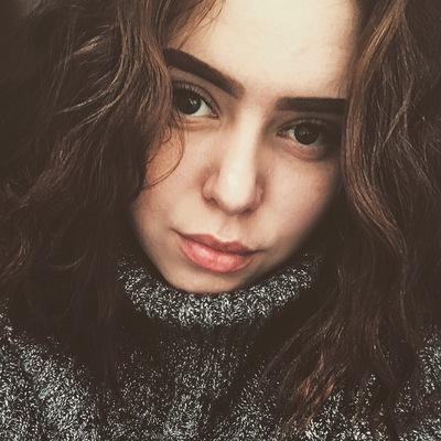 Оля Маковень