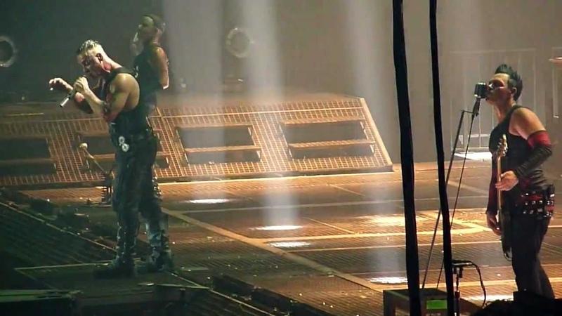 Rammstein - Du riechst so gut (live Stuttgart Schleyerhalle 10.12.2011)