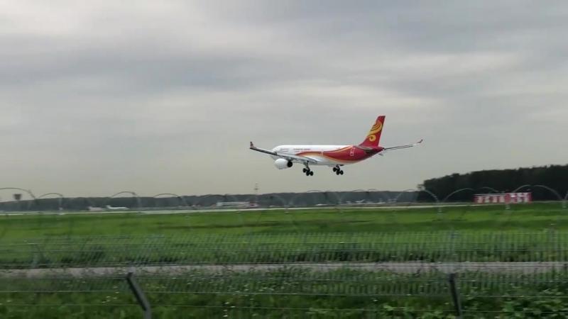 Аэробус А330 343 Hong Kong Airlines во Внуково