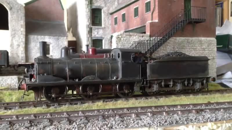 Действующий локомотив в 43 масштабе.