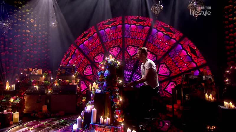 Coldplay - Everglow (The Graham Norton Show 20-07 - 2016-11-11)