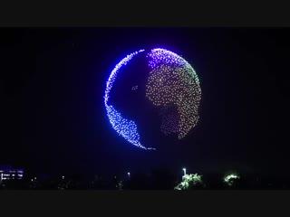 Шоу из 1500 дронов с подсветкой в честь 50-летия Intel
