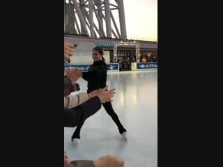 スカイツリーでのユリアリプニツカヤ先生エレーナイリニフ先生のスケート教室でのファンサービスありがとうございます