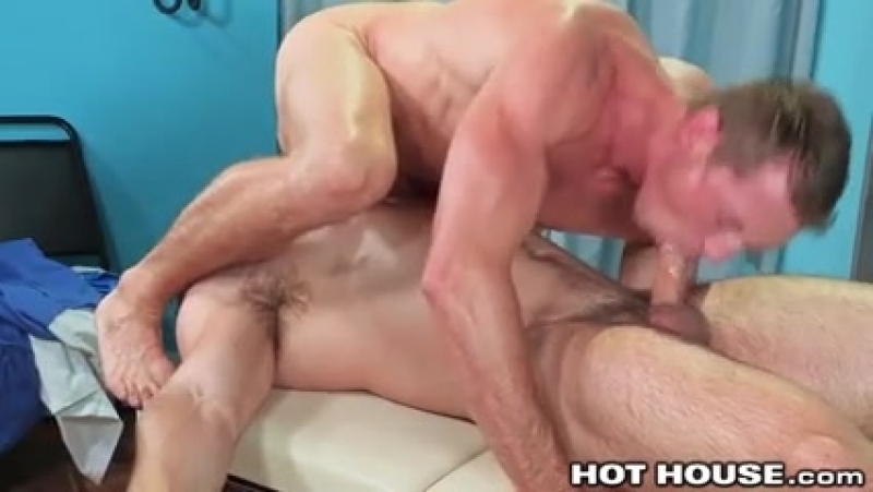 9692905_big_boy_jock_fucked_by_big_dick_muscle_hunk_daddy_doctor.mp4