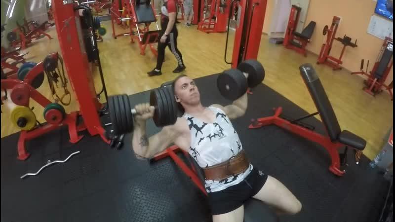 Александр Сафронов - тренер фитнес-центра Энергия