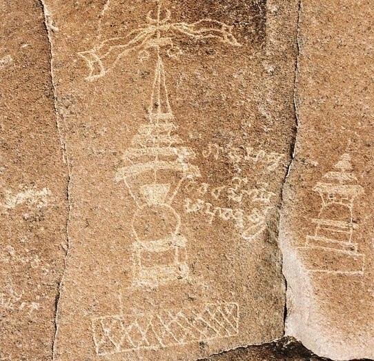 Петроглифы с космическими кораблями Эти петроглифы находятся в Пакистане, в долине реки Инд. Некогда в этих местах существовала высокоразвитая индская цивилизация, ничем не уступавшая египетской