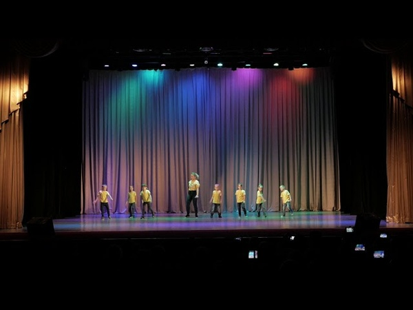 Hip-Hop Dance\ Тренер: Засикан Дарья\Танцы в Кременчуге
