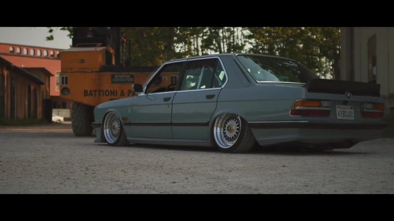 BMW-5er-e282F-Sourkrauts-Short-Cut.mp4