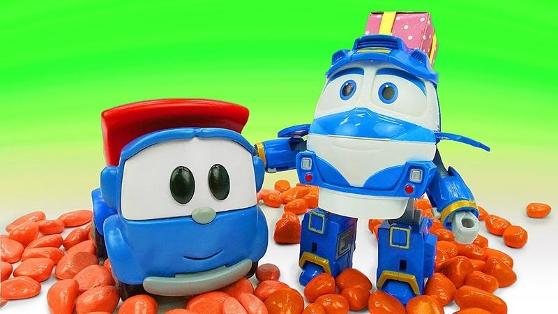 Машинки Грузовичок Лева и Роботы-поезда. Истории игрушек. Развивающее видео: собираем пазлы