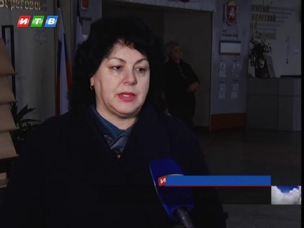 В Симферопольской школе демонтировали аварийный козырек