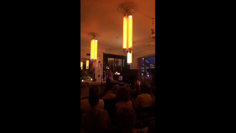 Алина Орлова в Caffe Torino на Тверской (Москва)