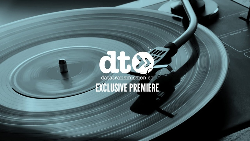 Premiere: Armitage - Housewife (Married To House Music)