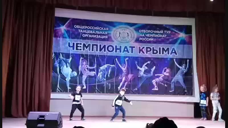 Video-ad741bddf7adcfc754b94c3272c00dc9-V.mp4