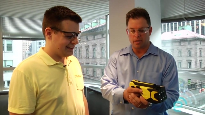 Taser X3 hands-on _ Engadget