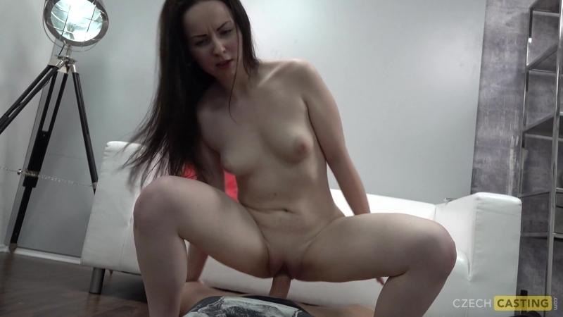 cheshskaya-syuzanna-provodit-porno-kasting-video