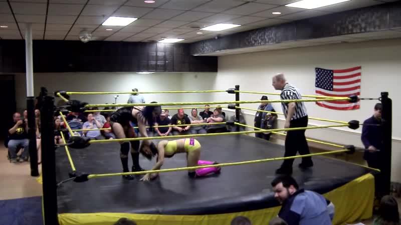 Mistress Belmont vs. Mercedes KV ( aka Sasha Banks) (09.04.2011)