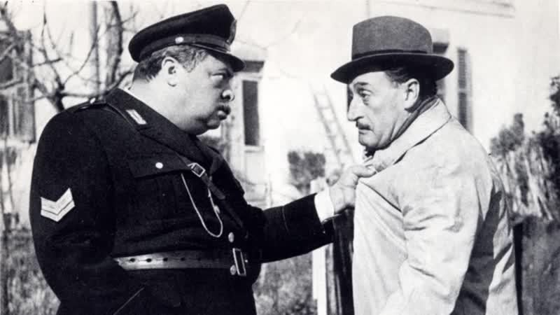 ХФ Полицейские и воры Guardie e ladri (Италия, 1951) Комедия режиссера Марио Моничелли, в гл. ролях Альдо Фабрици и Тото.