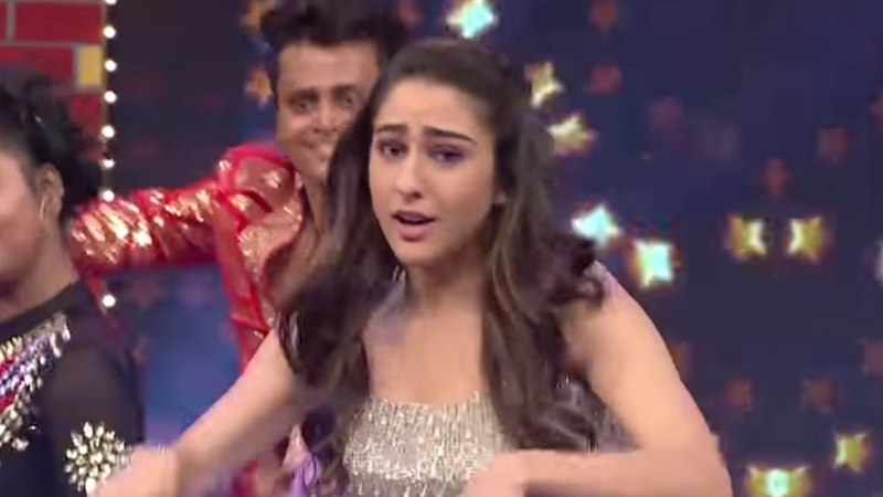 Ranveer Singh Sara Ali Khan | Sneak Peek | Chala Hawa Yeu Dya | Watch it on ZEE5