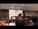 Робин Лорд Тейлор Шон Пертви и Давид Мазуз на панели конвенции Wizard World Comic Con 04 08 2018