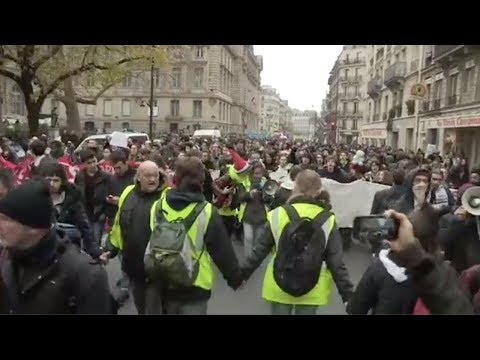 Протест студентов во Франции Student protest in France 11.12.18
