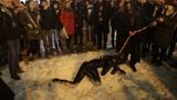 В Самаре музыканты Rammstein устроили БДСМ-шоу с сосисками