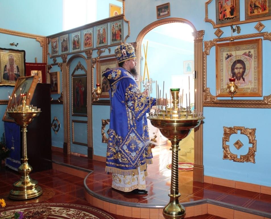 литургия в монастыре