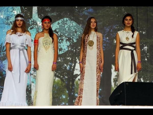 Княжий 2018 дефіле моделей одягу в етно-стилі