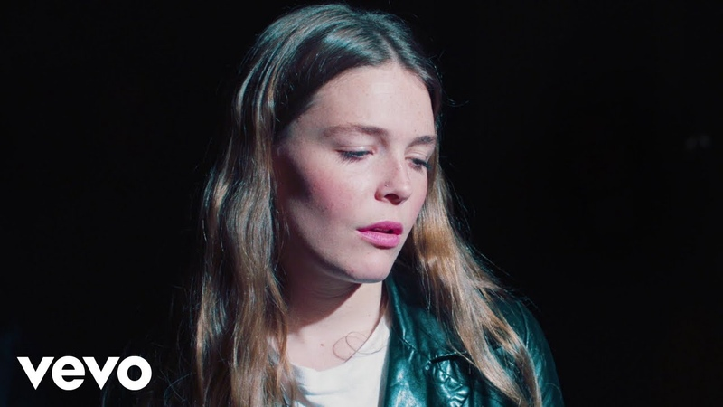 Maggie Rogers - Light On (La Blogothèque – Live in Paris)