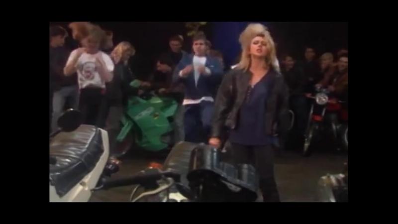 Алена Апина - Летучий голландец (видеоклип) - 1993 [VGA 480p]