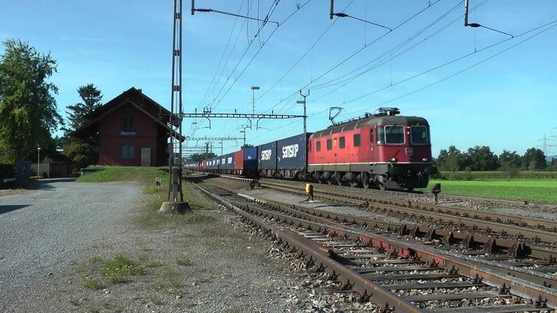Bahnverkehr am Gotthard - Crossrail Re 430 in Wassen