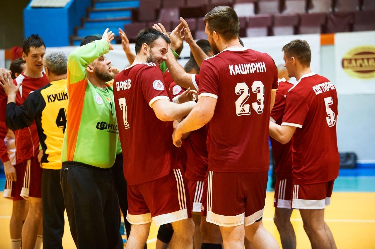Таганрогские гандболисты показали отличный результат в Омске на чемпионате России по гандболу