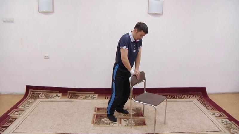 ЛФК после инсульта - 13.Приседания у стула – подготовка к ходьбе