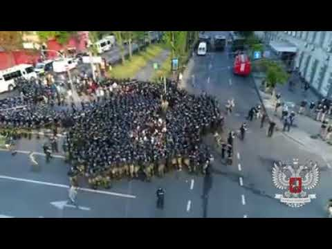Полиция избивает нацистов С14 на гей-параде в Киеве