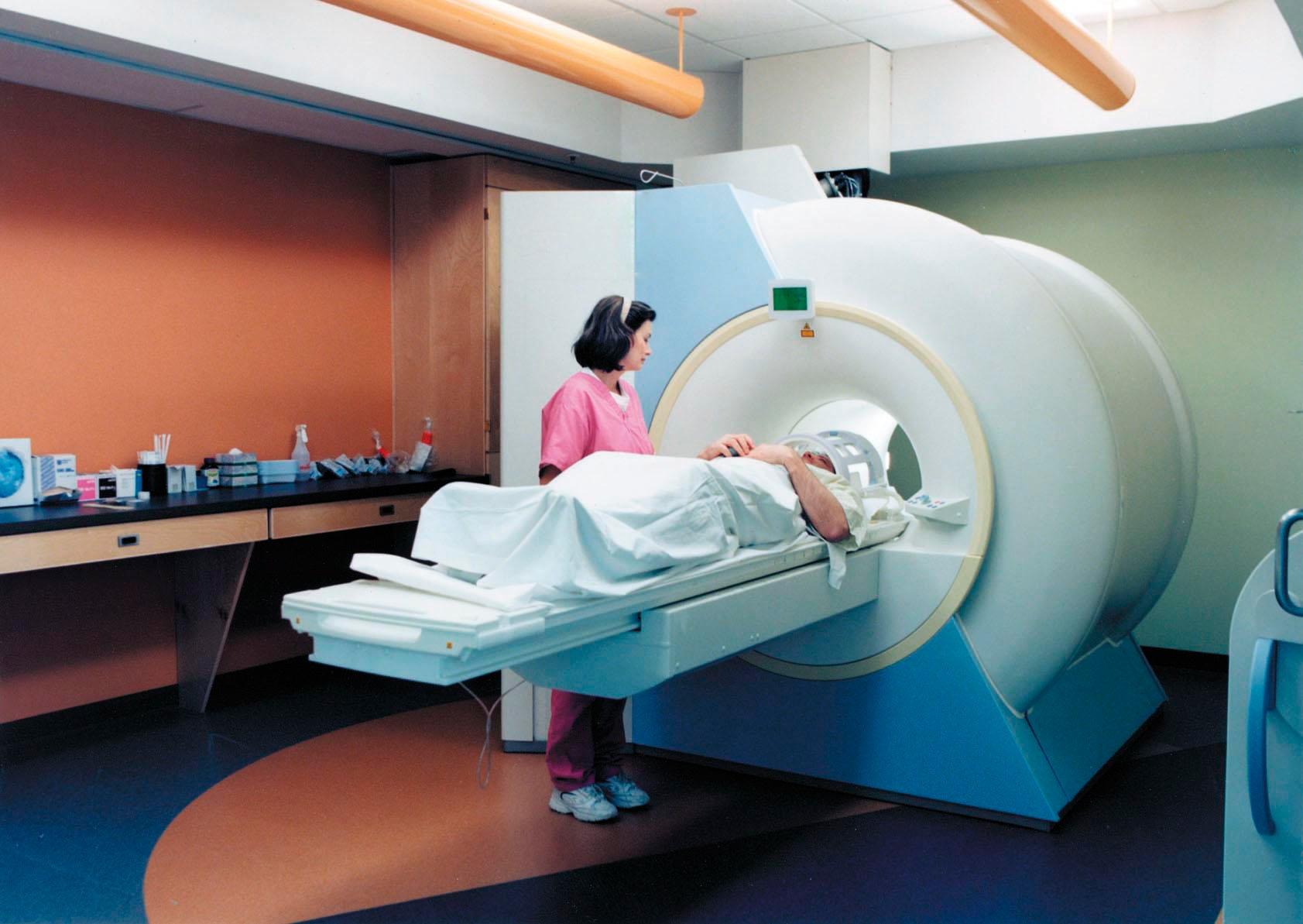 Магнитно-резонансная терапия в клинике «ЭВИМЕД»: диагностика и высокий уровень сервиса
