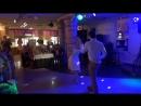 Веселый свадебный танец в стиле рок-н-ролл