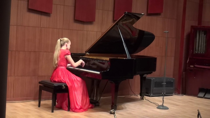 08.11.2018 Sofya Menshikova at concert in Chamber Hall of the Moscow Philharmonic Society