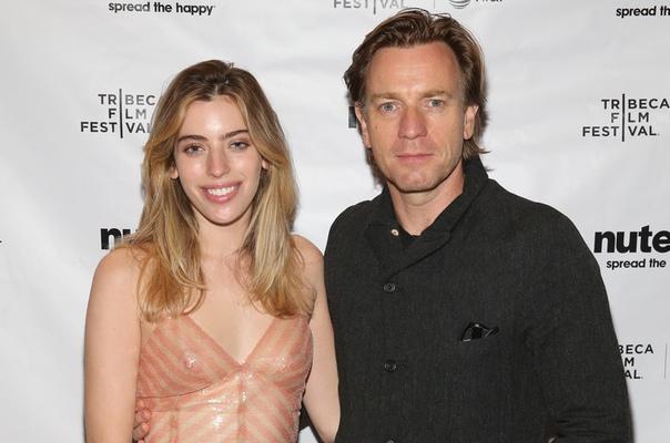 Дочь Юэна МакГрегора оставила о нем нелестный комментарий в соцсети Отношения между Юэном МакГрегором и его старшей дочерью, 22-летней моделью Кларой МакГрегор, вновь напряженные. Стоит