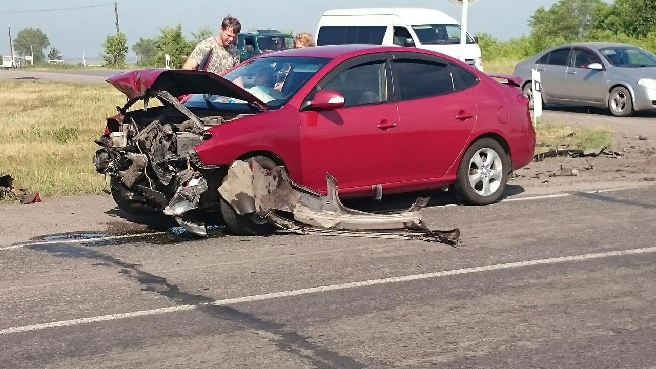 IGU8wSicSMs - ДТП Старая трасса...перед поворотом на Бабанаково 2 пострадавших